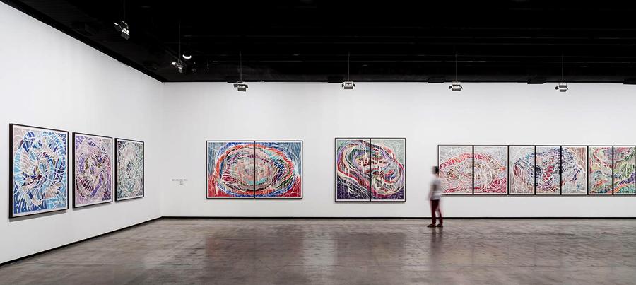 Vista geral da exposição (exhibition view) Cheio de Vazio (Full of Empty), Instituto Tomie Ohtake, São Paulo, Brasil, 2014. Foto (Photo) Ding Musa.