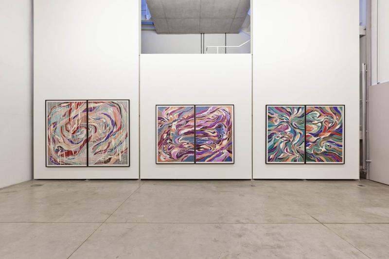 Vista geral da exposição Corpo Duplo, Galeria Leme, 2012, São Paulo. Foto: Ding Musa. (Exhibition View Corpo Duplo, 2012. Galeria Leme, 2012, São Paulo. Photo: Ding Musa.)