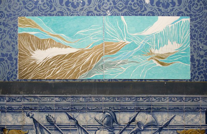Vista Geral da exposição À Deriva no Azul, Carpe Diem Arte e Pesquisa, 2011, Lisboa, Portugal. Foto: Fernando Piçarra. (Exhibition View À Deriva no Azul, Carpe Diem Arte e Pesquisa, 2011, Lisboa, Portugal. Photo: Fernando Piçarra.)